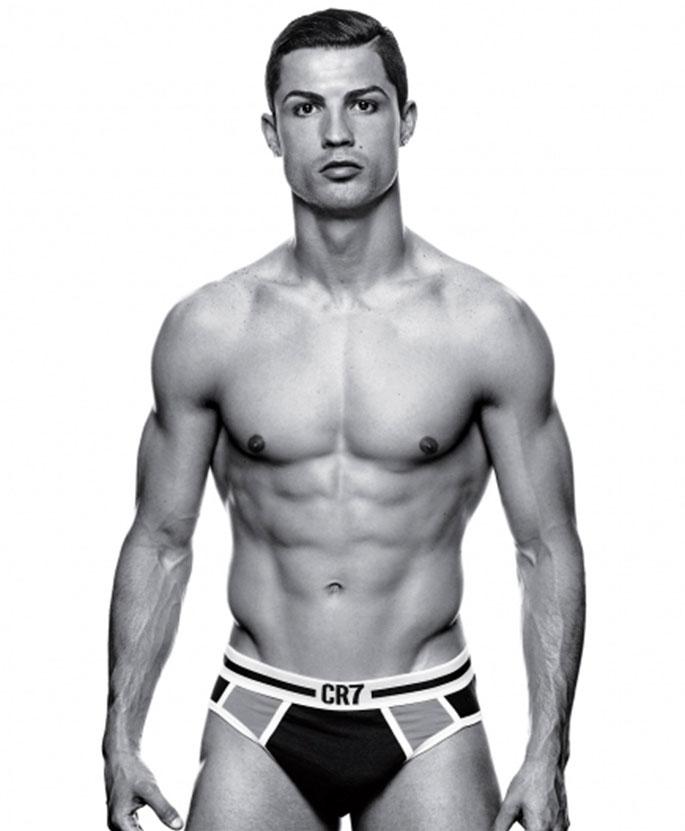 Goli modeli muškog donjeg rublja