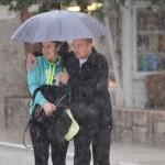 Kiša, kišobran, zagrljaj