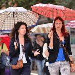 Kišobrani, kiša, turisti